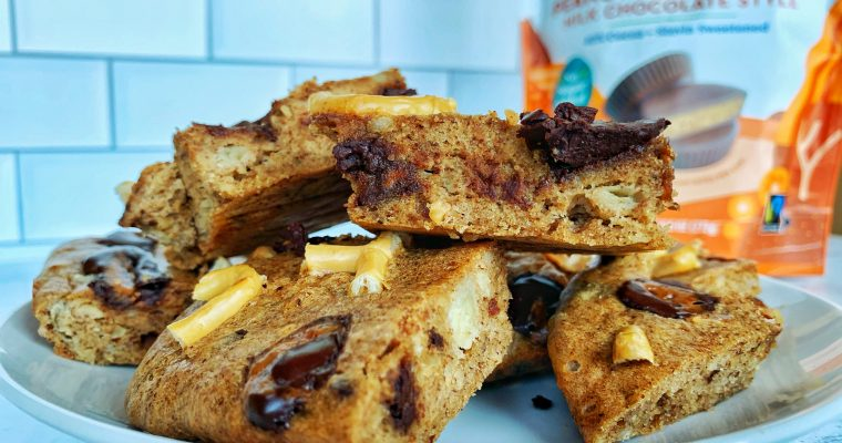 Peanut Butter Cup Pretzel Banana Blondies